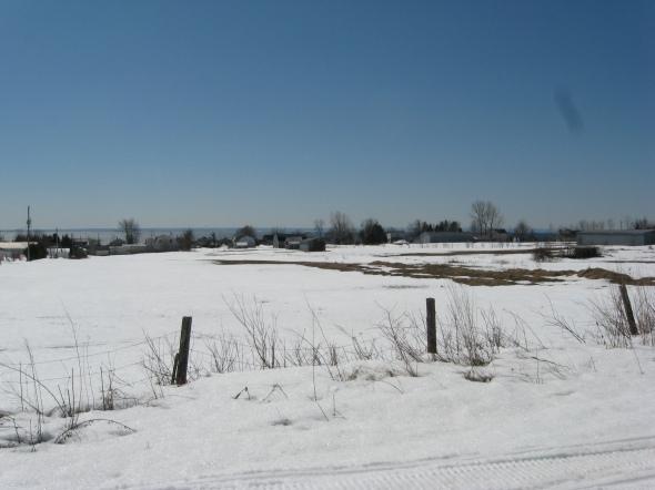 Point de vue nord-est sur le champ